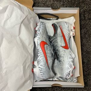 Nike Mercurial Vapor 12 Elite NJR FG Soccer Cleats